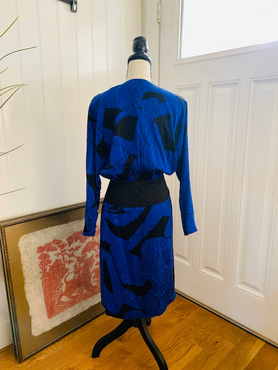 1980's Flora Kung Silk Blue and Black Dress - image 4