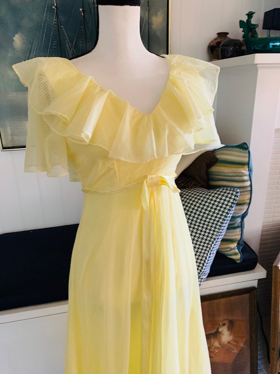 Vintage 1960's Yellow Poplin Prom Dress - image 1