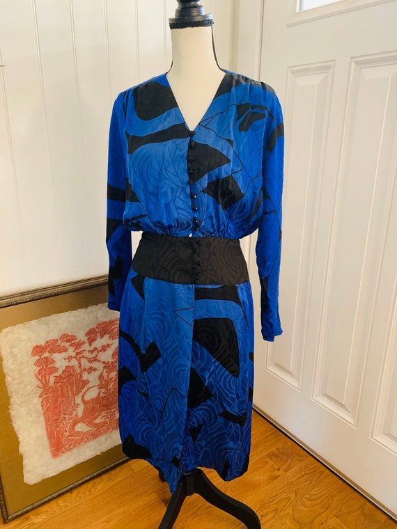 1980's Flora Kung Silk Blue and Black Dress - image 7