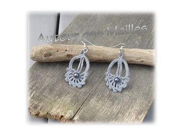 Crochet Earrings: Pearl gray