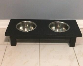 Small dog feeding station