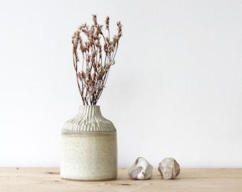 10 cm white and beige sandstone bottle - Homemade ceramics