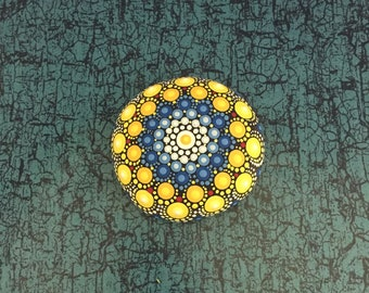 Mandala-Stone Ocean-Beach - handpainted mandala-stone as a gift for a loved one, for meditation, yoga or decoration