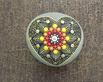 Heart-Stone Sun big - handpainted mandala-stone in heart-shape as a gift for a loved one, for meditation, yoga or decoration