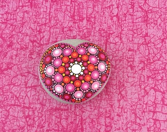 Heart-Stone Raspberry & Red - handpainted mandala-stone in heart-shape as a gift for a loved one, for meditation, yoga or decoration