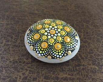 Mandala Stone Golden Sun - handpainted mandala stone as a gift for a loved one, for meditation, yoga or decoration
