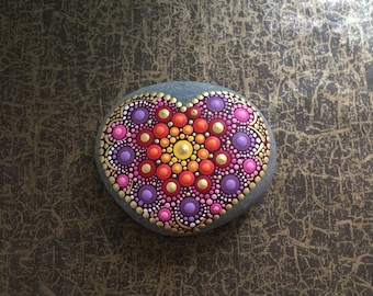 Heart Stone Orient - handpainted mandala-stone as a gift for a loved one, for meditation, yoga or decoration