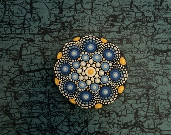 Mandala-Stone Ocean-Beach (small) - handpainted mandala-stone as a gift for a loved one, for meditation, yoga or decoration