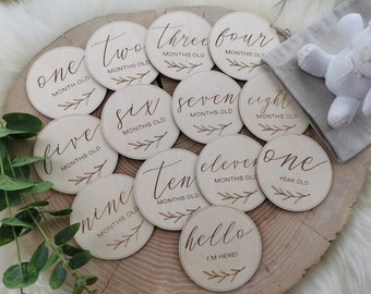 WOODEN MONTHLY Circles Baby Milestone Cards SET of 13, Wooden Circles For Monthly Children's Photo Prop, Baby Shower Gift, MC5