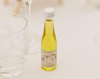 Tiny bottle of custom olive oil. Personalized olive oil vial. www.nosmignonnettes.com