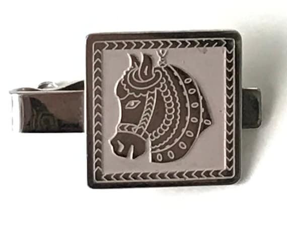 Vintage Tie Bar Clip a Scottish Fox Terrier Dog on silver tone metal animal Novelty item  #426