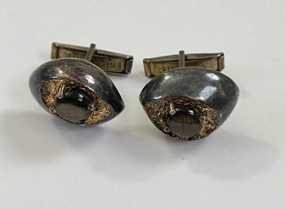 Cufflinks textured goldtone in an abstract design. 1970/'s