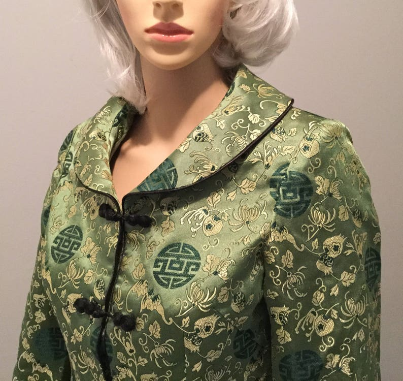 e68cf7bf46b Vintage Exquisite Women S Asian Suit Jacket and SkirtGreen