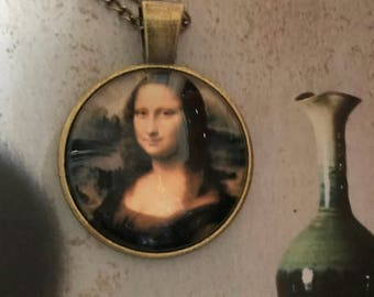 Mona Lisa necklace and pendant of bronze. Vintage. Leonardo da Vinci.
