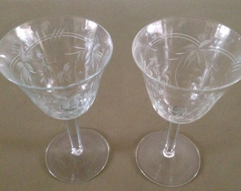Beautiful vintage wine glasses of very thin glass. From the 1930s.