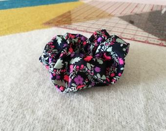 Colourful floral scrunchie // floral scrunchie / flower scrunchie / scrunchy