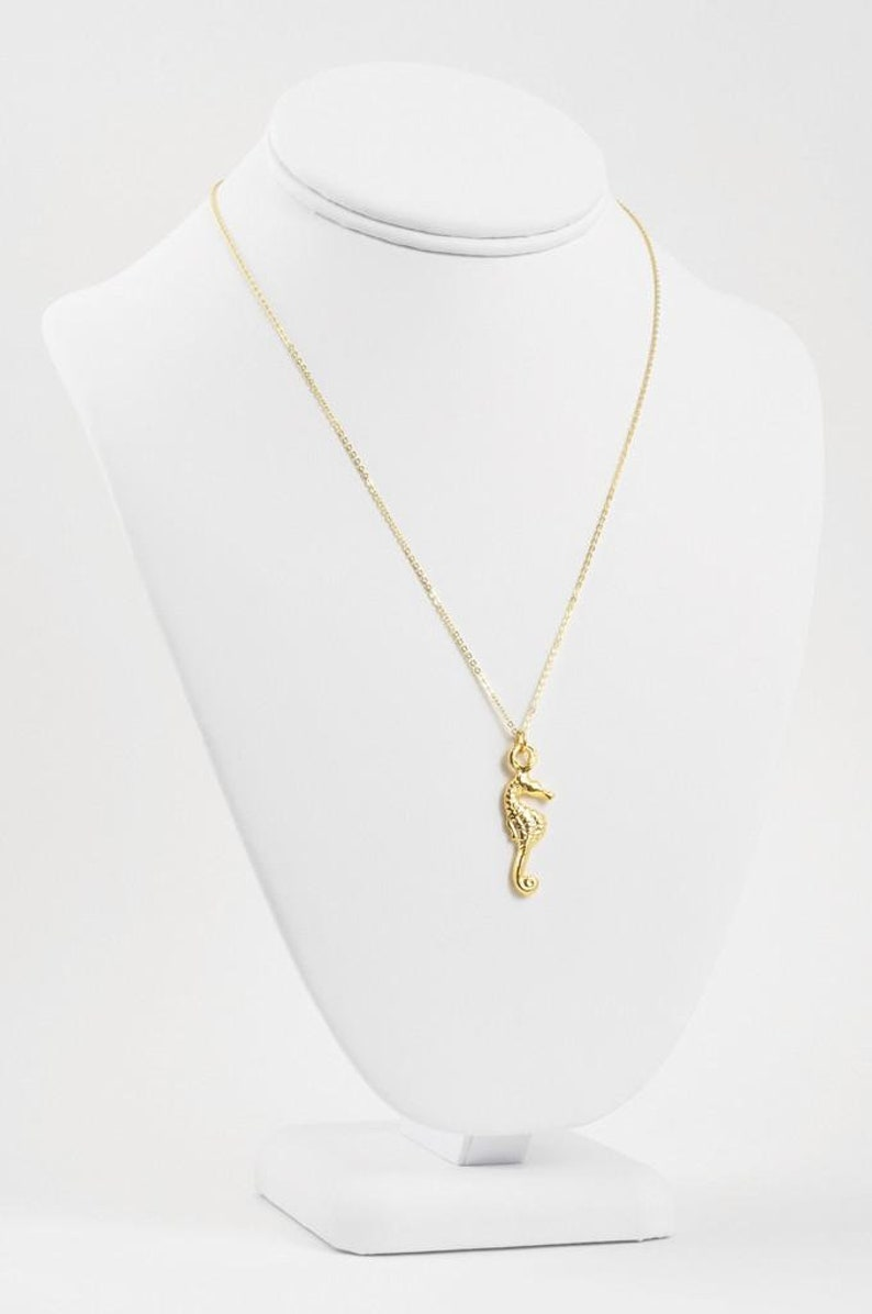 Minimalist Jewelry-Seahorse Gold Pendant Necklace