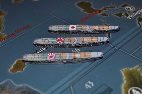 8 on hand Axis and Allies painted pieces Soviet IL-4 Medium Bomber