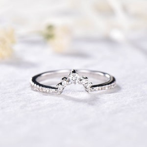 Green CZ Cubic Zirconia Diamond Wedding Band 925 Sterling Silver 14k White Gold Curved Engagement Ring U Shape Stacking Anniversary Gift