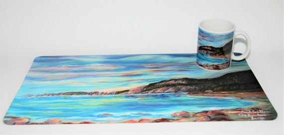 A set of 4 cups and placemats, Forillonn Park