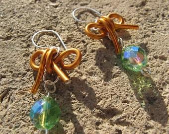"""Small knot"" Saffron Green Aluminum earrings"
