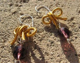 """Small knot"" aluminum gold purple earrings"