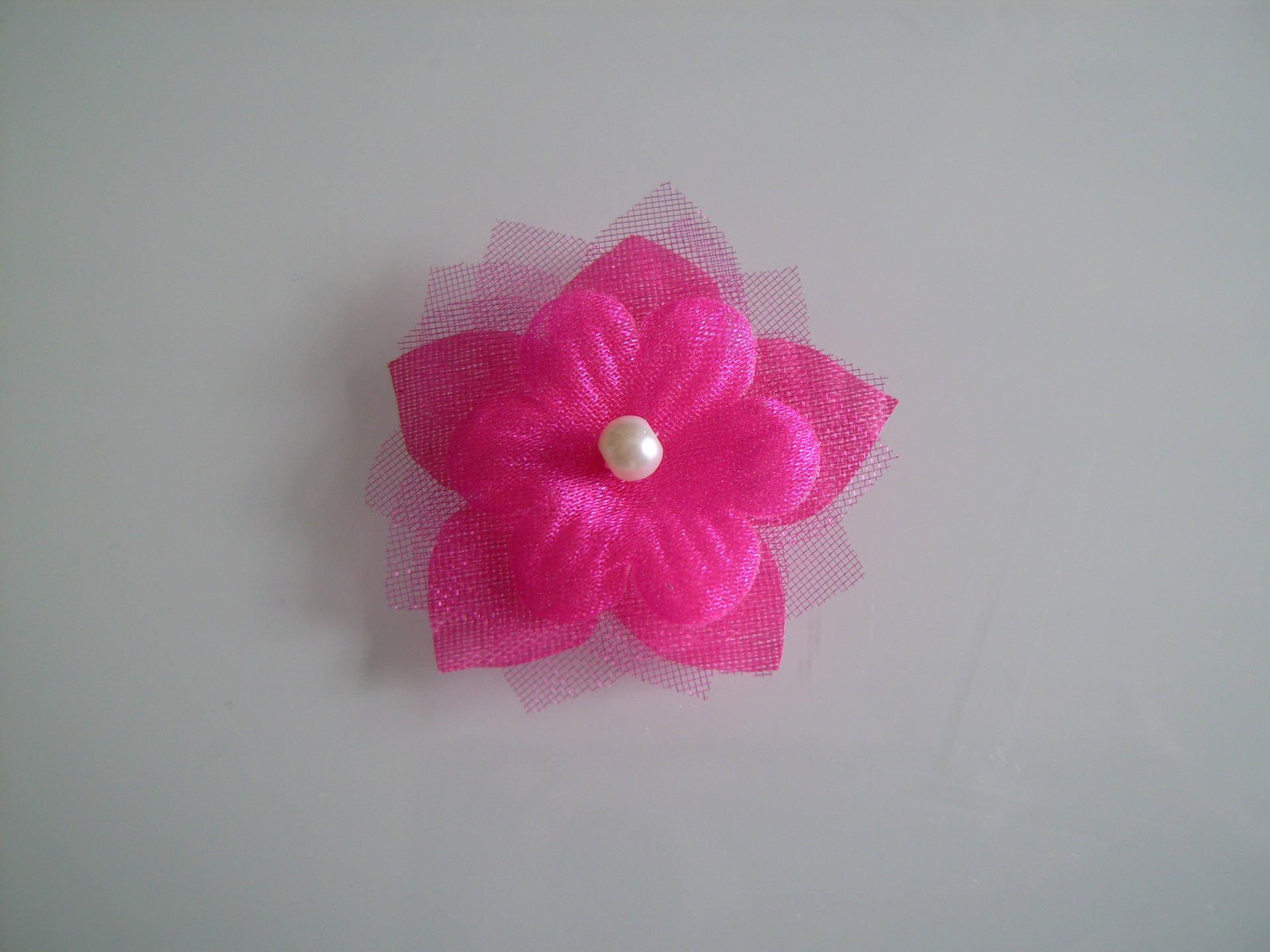 c58c2ec84 Fleur à coudre sur une robe de Mariée/Mariage/Soirée Rose fuchsia/Ivoire (  ou blanc/fuchsia) Fleur (pas cher)