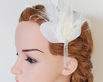 LISALI  Ivory Feather  Fascinator, Wedding Feather Fascinator, Bridal Feather Headpiece Rhinestone chain, Wedding Feather Hairpiece