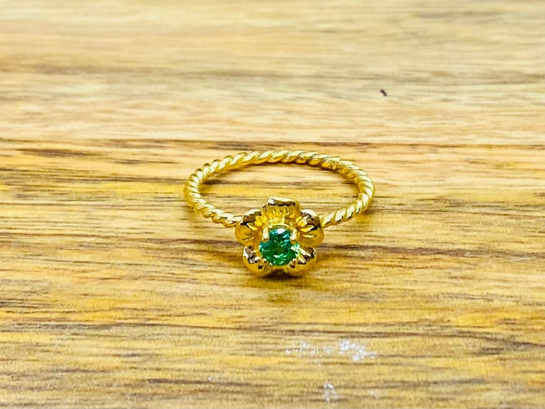 Gold Plated Flower Ring,Emerald Flower Ring Emerald Ring Gold Plated Flower Ring Gold Emerald Ring Gold Flower Ring with Emerald Stone
