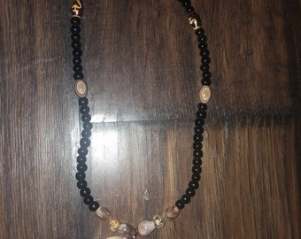 Handmade seashell necklace with black jade beads