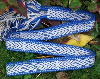 Tablet woven belt suitable for larp and reenactment - 230 cm, green viking belt