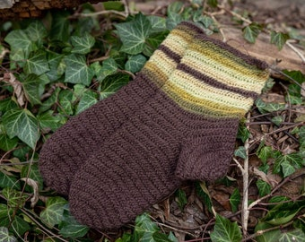 Nalbinding Socks EU 44/US 10, 100% wool, plant-dyed, single yarn. Viking Socks for Norse, Anglo Saxon, Medieval Reenactment or LARP.