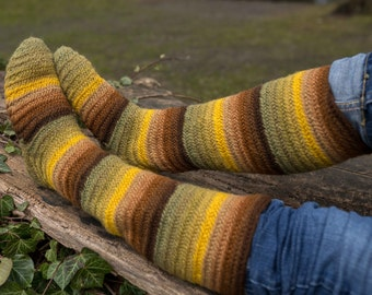 Nalbinded Socks EU 40/ US 8, 100% wool dyed with natural plant dyes, 17 inch high, Viking, Norse, Anglo Saxon, Medieval, Reenactment,  LARP