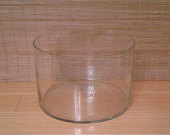 Clear glass serving bowl, heavy, large