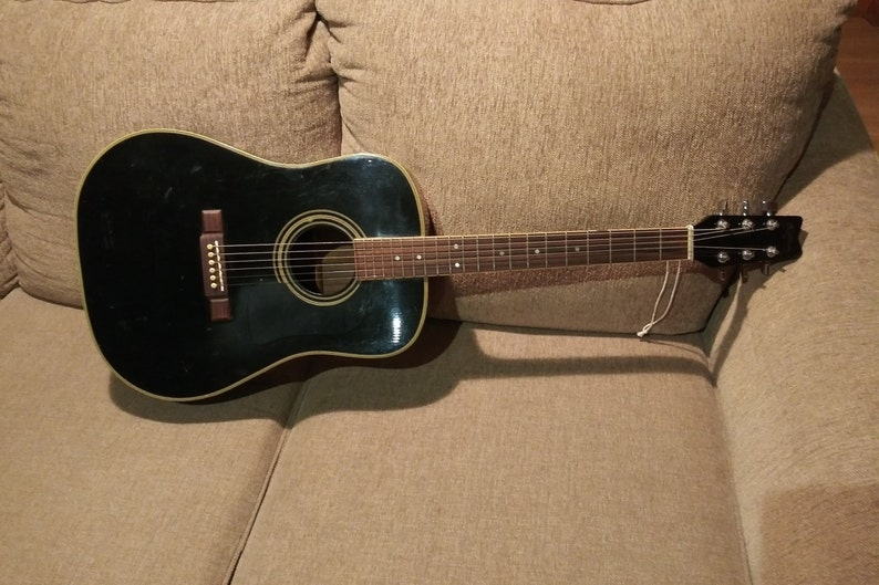 where are washburn acoustic guitars made
