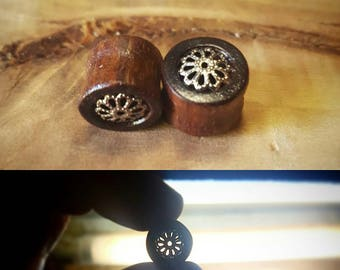 Flower inlay tunnels
