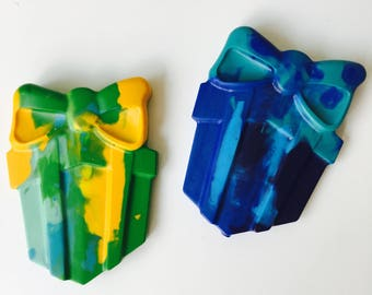 Crayon favour packs. Made with non toxic high grade wax, CE tested. These crayons are perfect little packs for a child's birthday party
