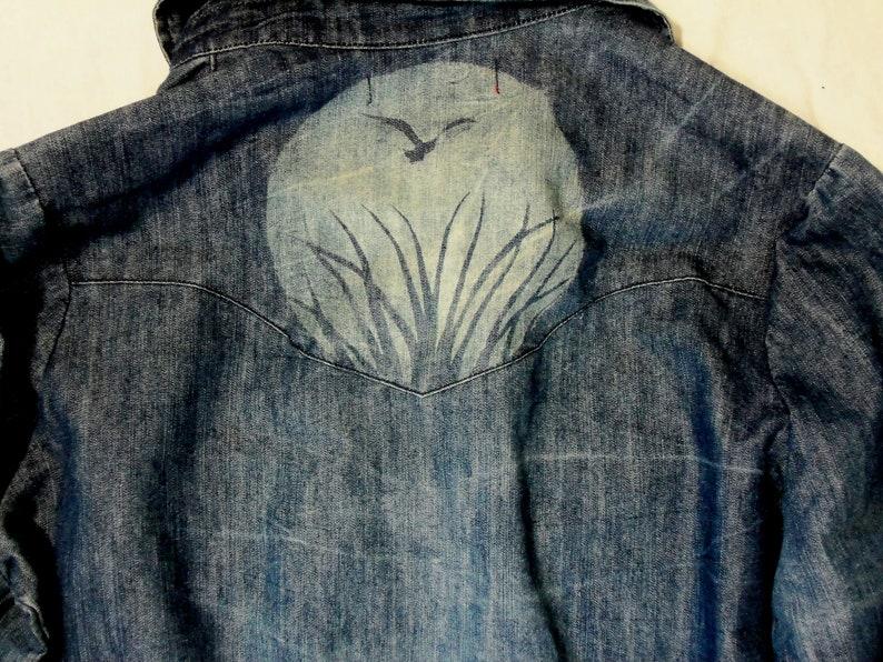Almost Famous denim shirt women/'s large with bleach peace design