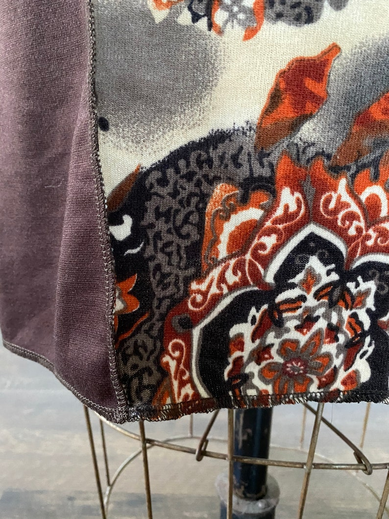 Brown paisley printed knit skirt