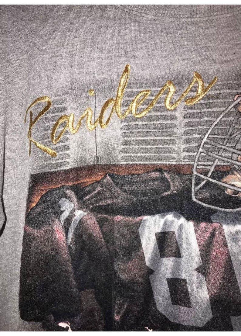 Lee Mens Raiders 1995 Crewneck Sweater Gray Medium