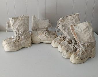mukluk boot / size 8 -9-10-11 /