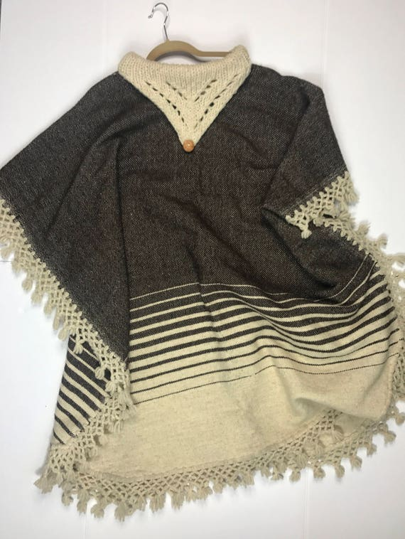 Vintage 1970s Poncho, Boho Oversized Poncho, Croch