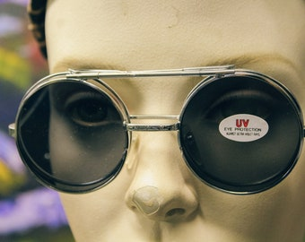 bf00d3662cd Vintage 80 s Flip Up Lens Brow Bar 2-in-1 fashion silver round Wire Unisex  Sunglasses. InterrobangVintageCo