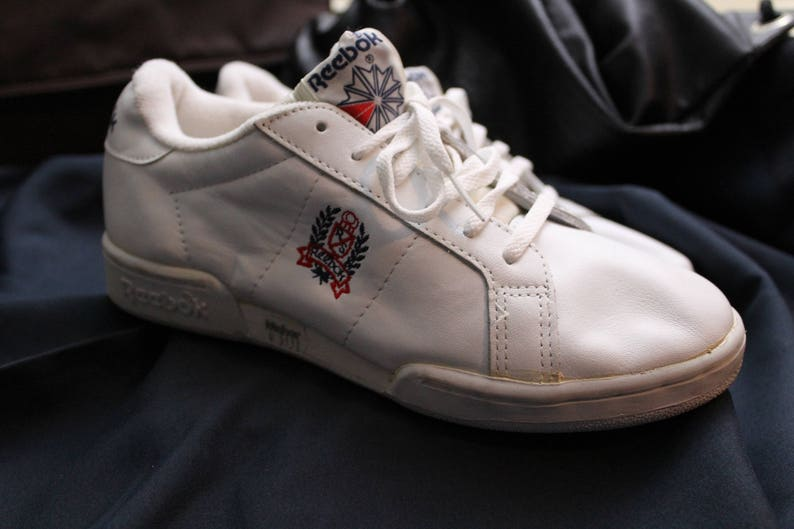 f6f307f42b Vintage early 90s Reebok white sneakers - Size 5 - Perfect condition