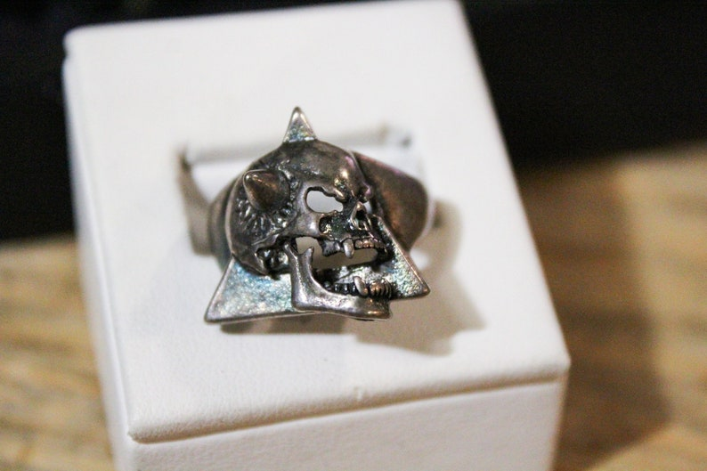 Made in USA Vintage Silver 1980s G/&S Spiked Skull Ring Inscribed Signature JL239 Size 9