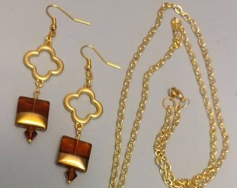 Gold clover earrings and necklace set