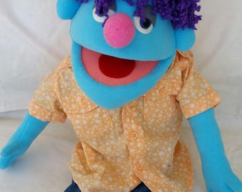 Medium hand puppet with legs