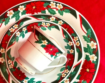 christmas dinnerware vintage tienshan deck the halls 16pc fine china 4 place settings holiday entertaining family dinner mint condition