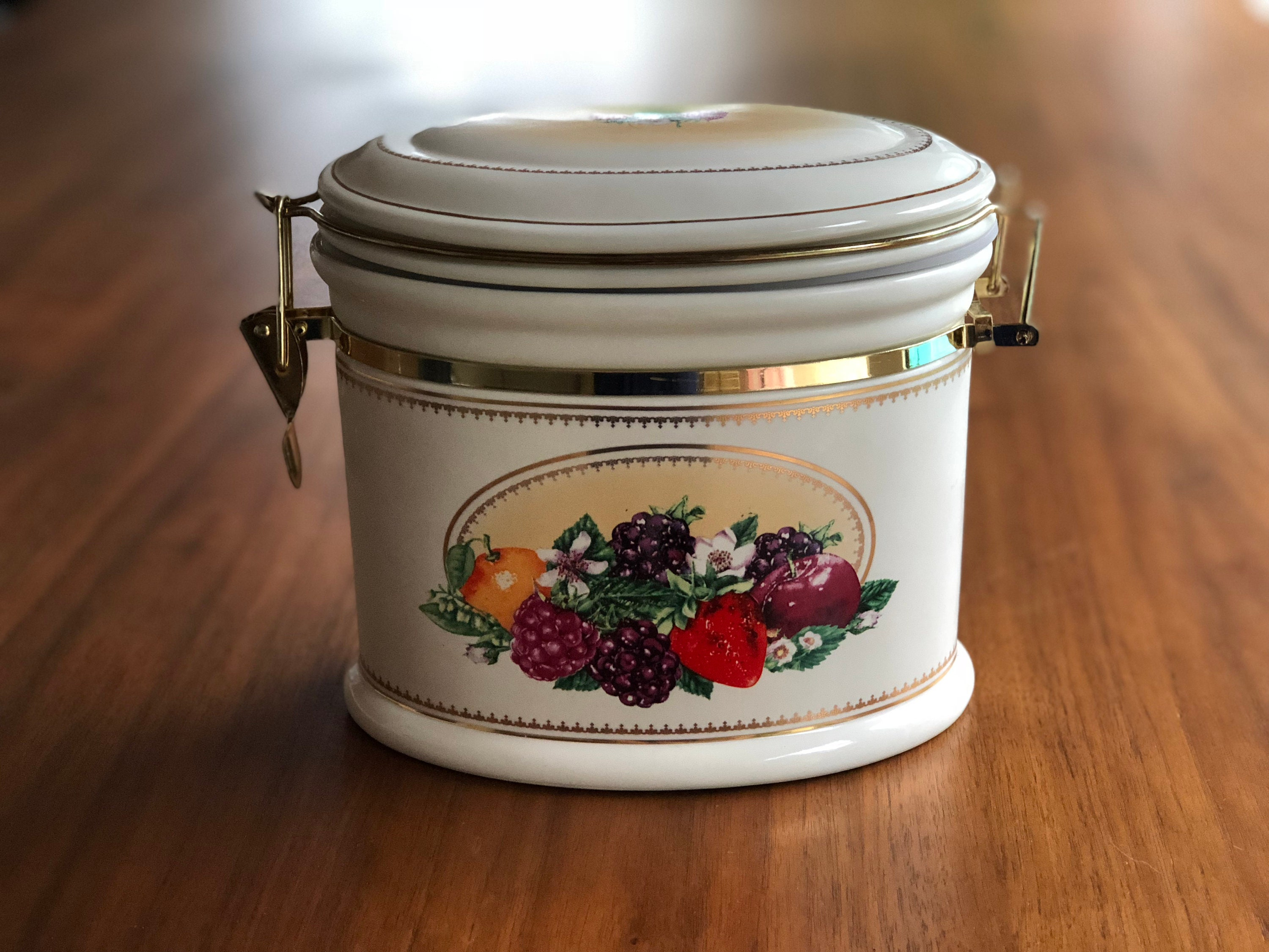 Knott/'s Berry Farms Canister Ceramic Storage Jar Raspberry On Top Pattern Vintage Cookie Jar Fruits and Berries Decor