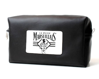 3e55ce23fe68 Brown Toiletry Kit The necessary to the Barber